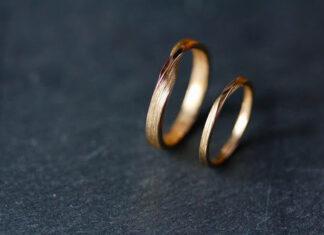Jak zamówić pierścionek zaręczynowy przez Internet